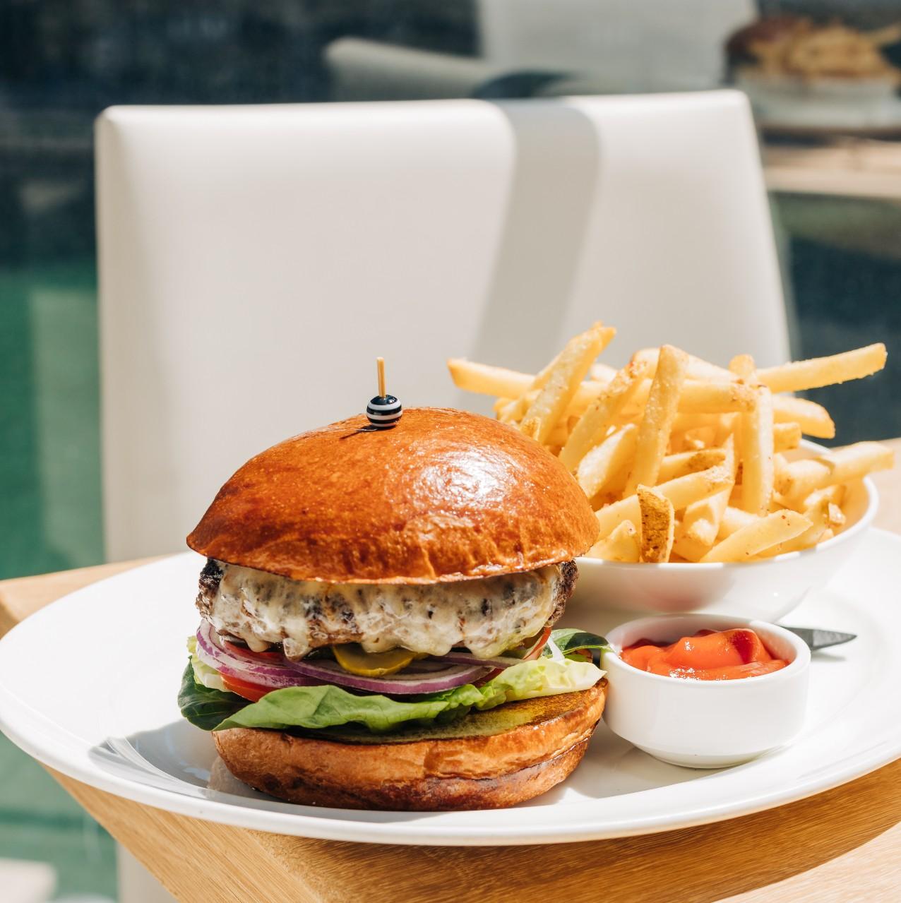 RPM SEafood Prime STeakburger