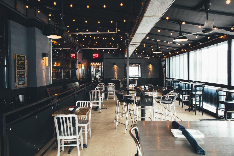 Tokio pub dining room
