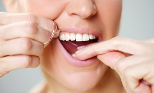 flossing to prevent periodontal disease