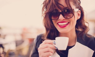 How To Prevent Coffee Stains On Teeth
