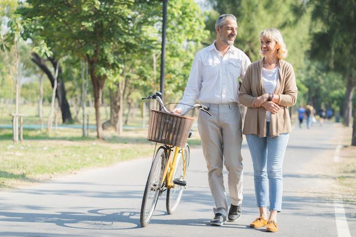 couple walking.