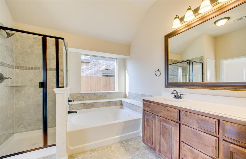 2092 RA-S 231 Frontier Drive SG-3-18 High Res