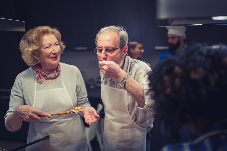 Couple in cooking class.