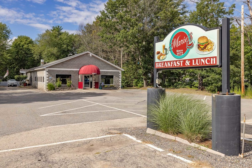 Mixed Use Restaurant/ Apartment or Redevelopment Opportunity