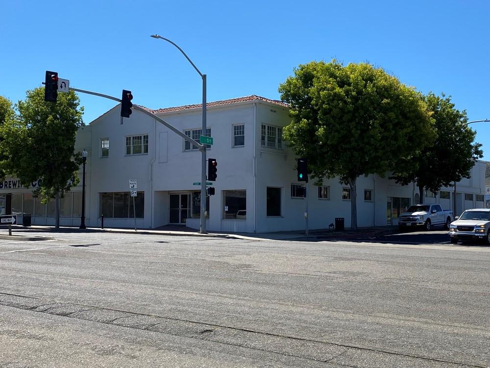118 W. Ocean Avenue