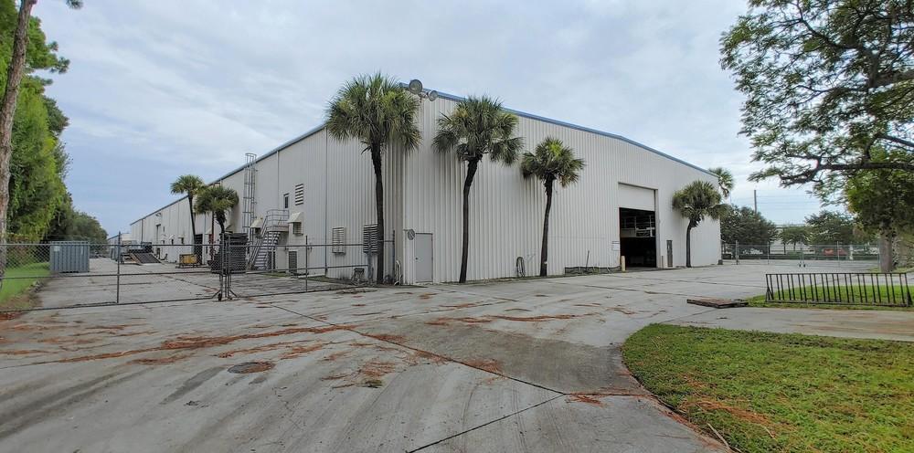 1851 67th Ave E, Sarasota, FL 34243