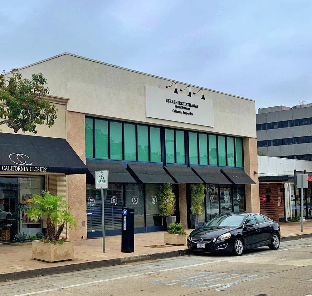 NNN Mixed Use Property in High Barrier to Entry Pasadena Market