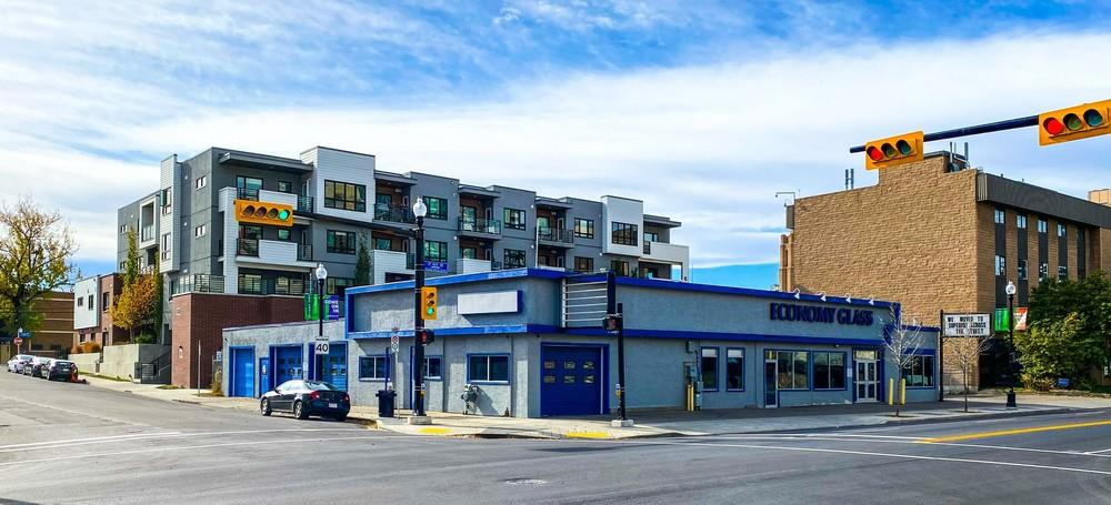 <div>101 & 109 - 17 Avenue SW</div><div>Calgary, AB T2G 1H2</div>