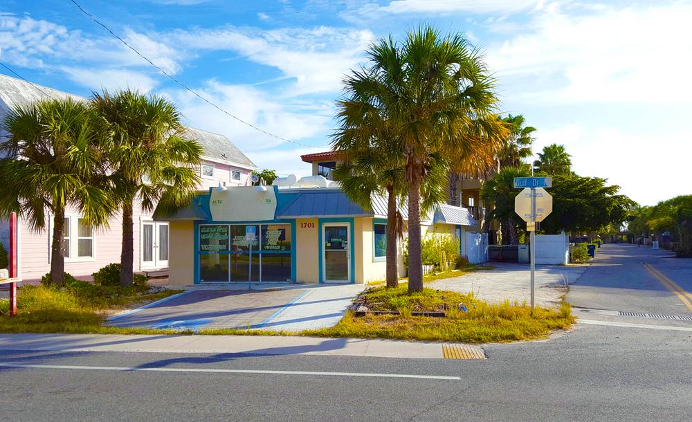 1701 Gulf Drive North, Bradenton Beach, FL 34217