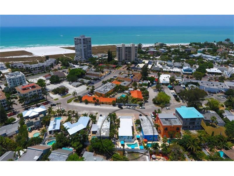 5247 Calle Meronca, Sarasota, FL 34242