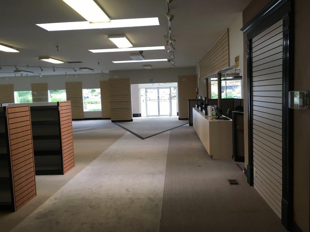 Glenview Retail Building