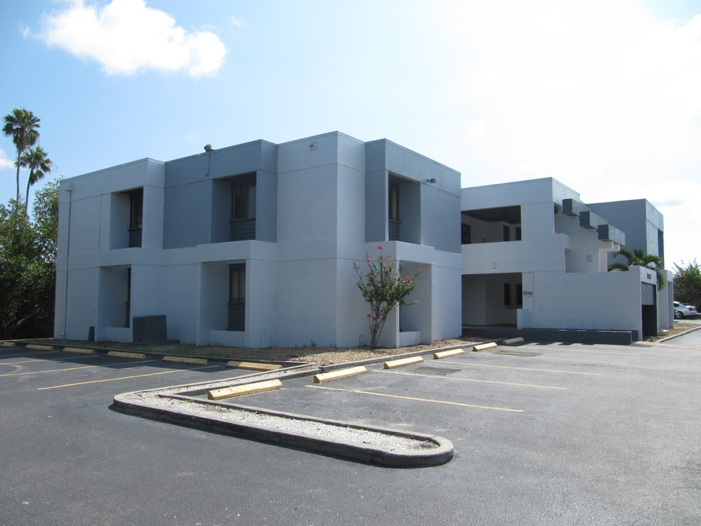1999 Lincoln Dr., Suite 201, Sarasota, FL 34236