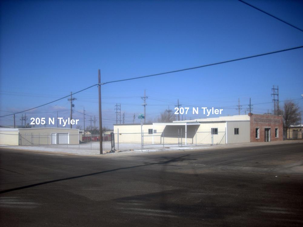 205 & 207 N Tyler