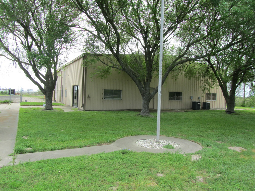 Net Leased Warehouse on 10 Acres