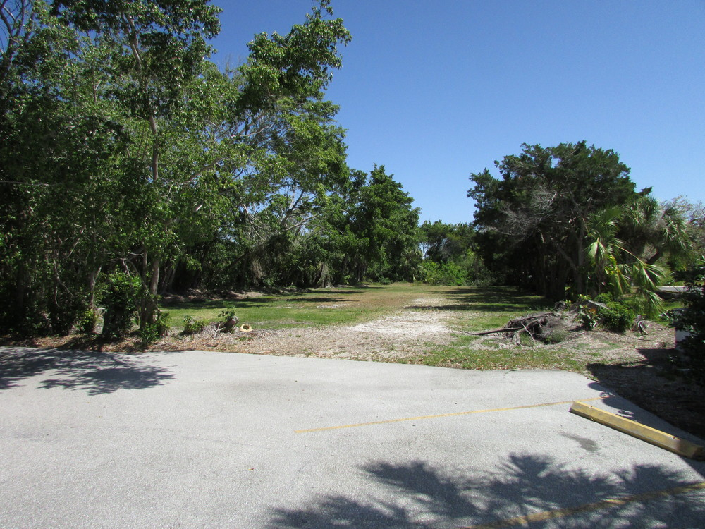Exterior View - 5620 GMD - Vacant Parcel