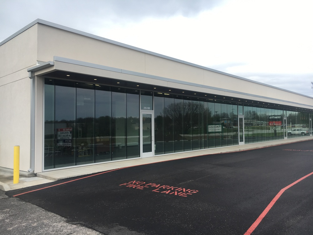 1,200' RETAIL AT CAMPBELL & JAMES RIVER FWY