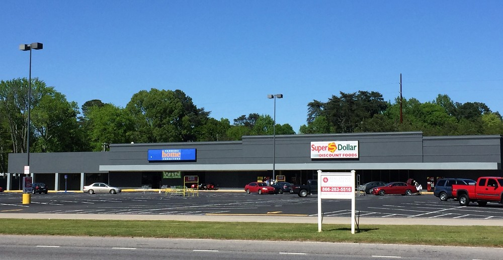 Adamsville Shopping Center - 3980 Veteran Memorial Parkway. Adamsville, AL 35005