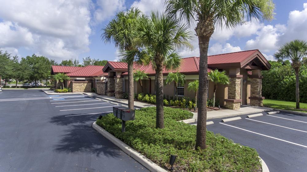 7357 Merchant Ct, Lakewood Ranch, FL 34240-8437