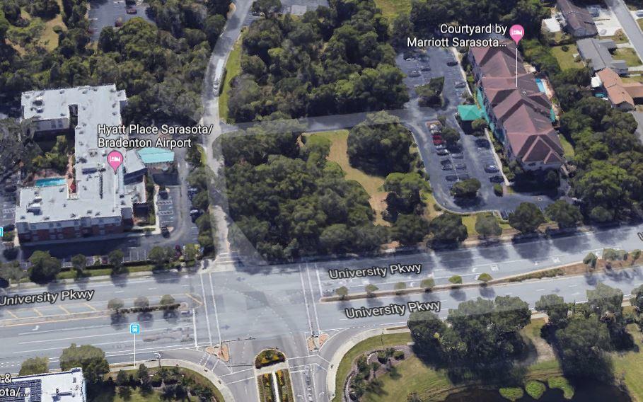 920 University Parkway - photo 1 of 3