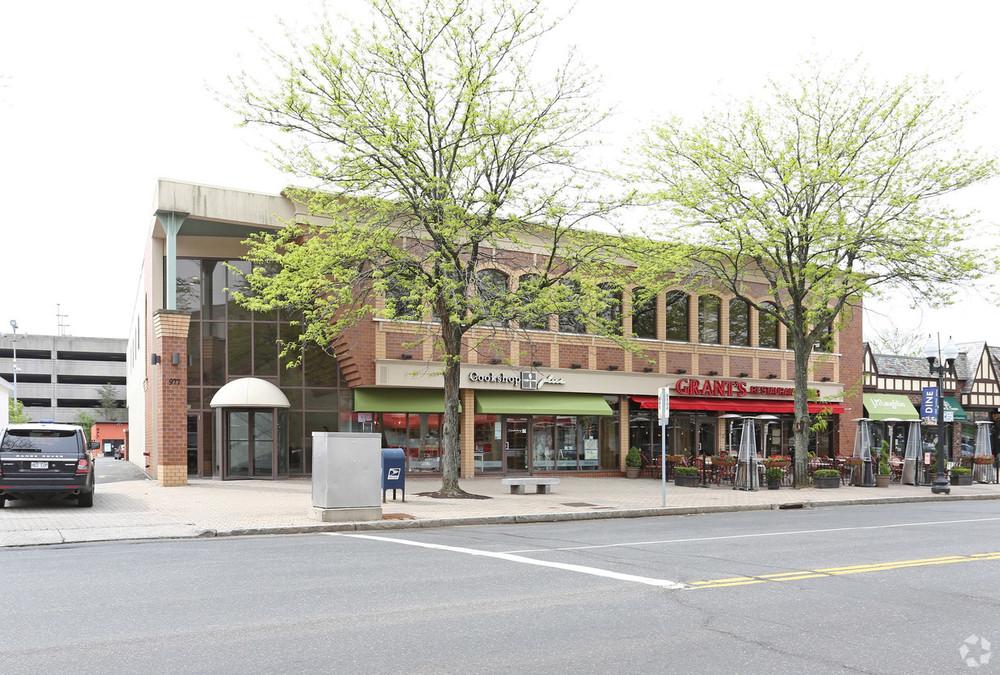 977 Farmington Avenue <br/><div>977 Farmington Avenue</div><div>West Hartford, CT 06107</div>