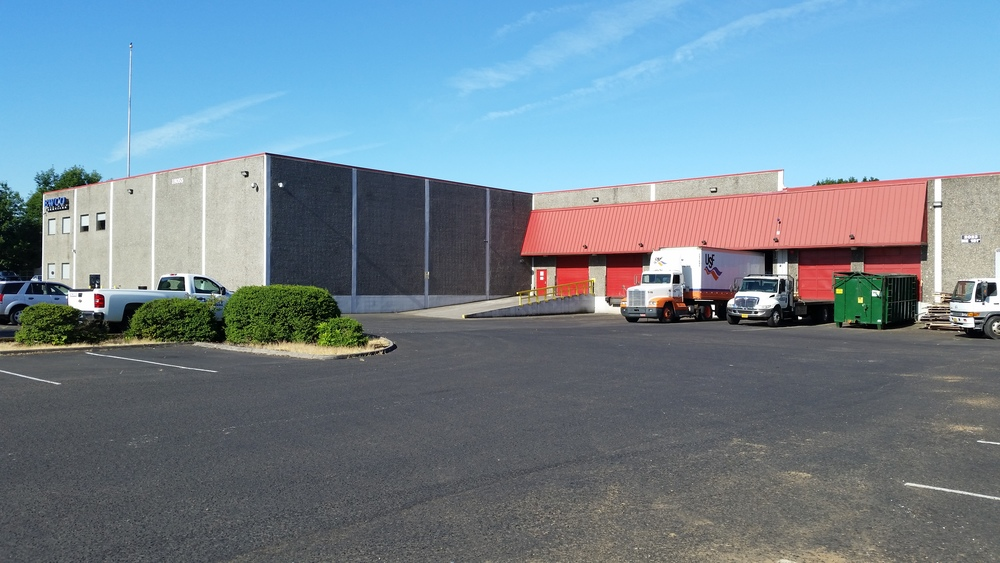 Short-Term Warehouse Available 5,000 to 24,000 SF