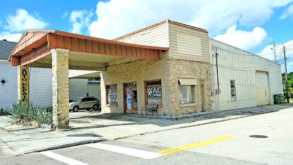 925 Manatee Ave. E., Bradenton, FL 34208