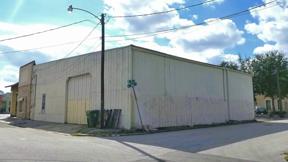 925 Manatee Ave. E. - photo 4 of 7