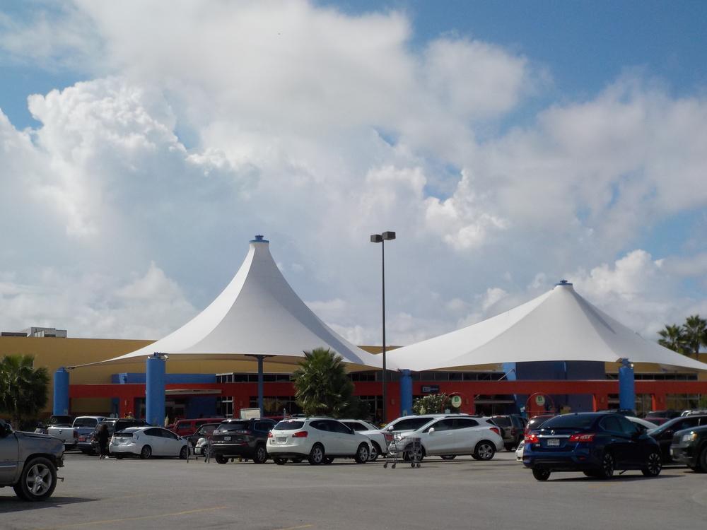 HEB Center Boca Chica