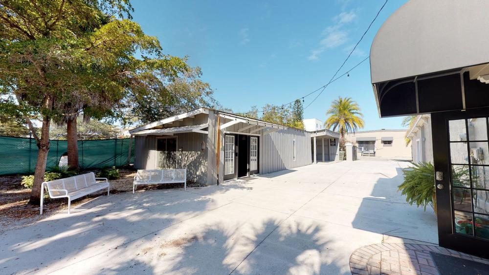 423 N. Lemon Ave., Sarasota, FL 34236 - thumbnail 41 of 56