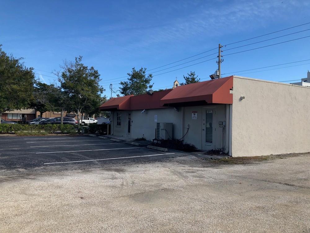 1577 Fruitville Rd. - photo 2 of 11