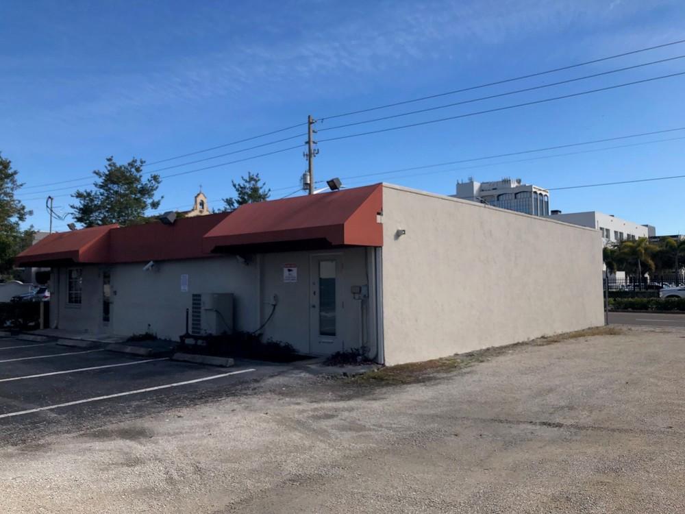 1577 Fruitville Rd. - photo 3 of 11
