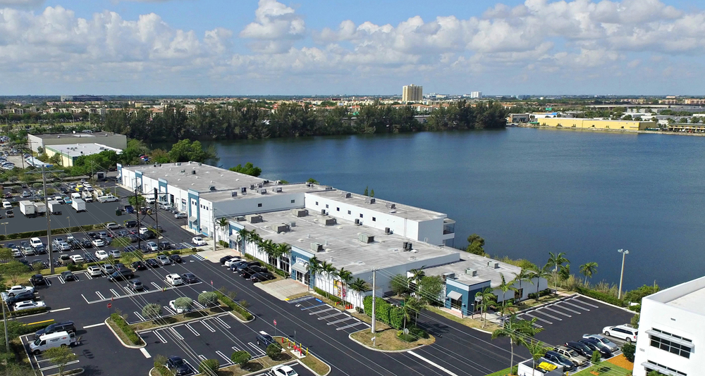 Lake's Edge Available Spaces for Lease