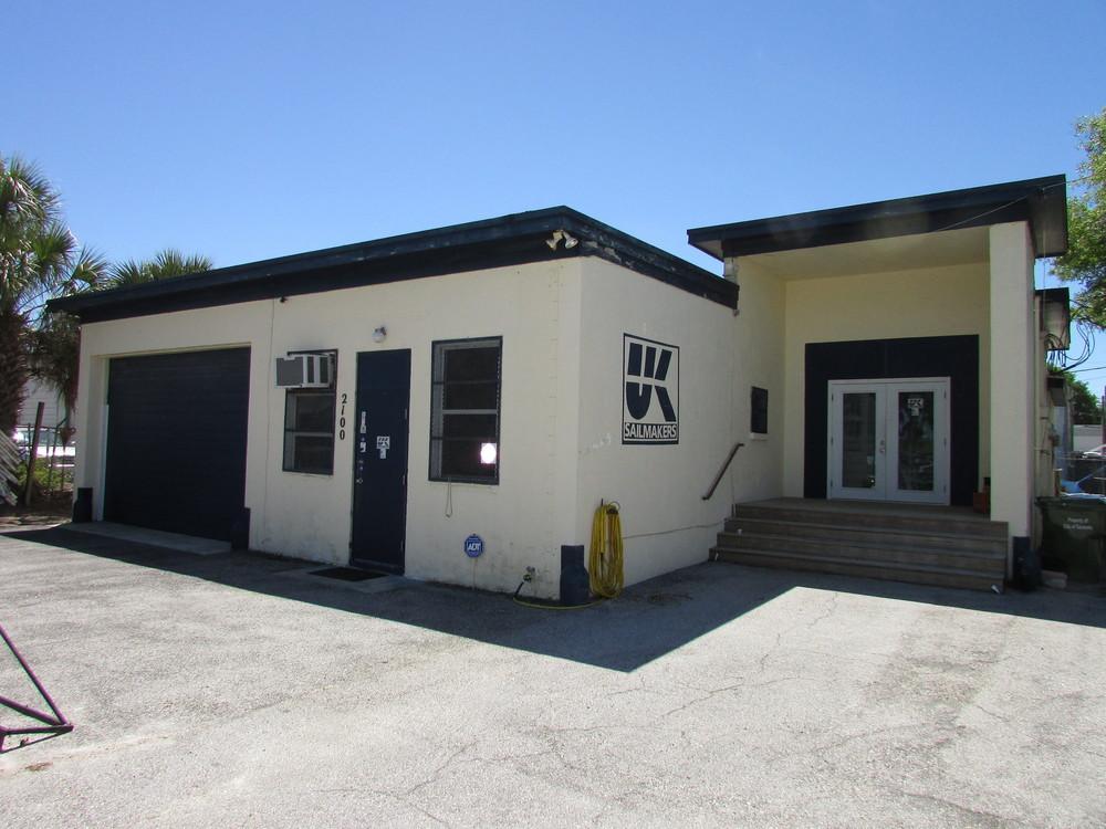 2100 20th St., Sarasota, FL 34234
