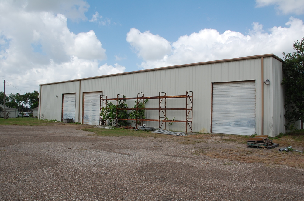 Warehouse/Shop on 3.4 fenced Acres