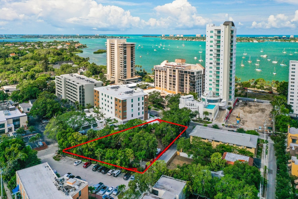 625 S Palm Ave., Sarasota, FL 34236