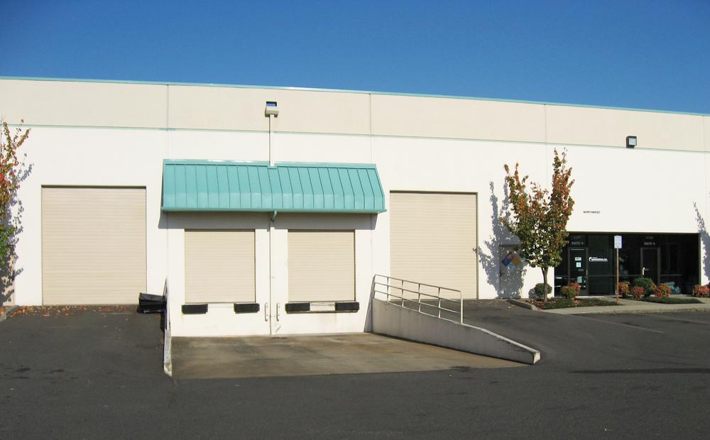 1,000 SF Office/ Warehouse