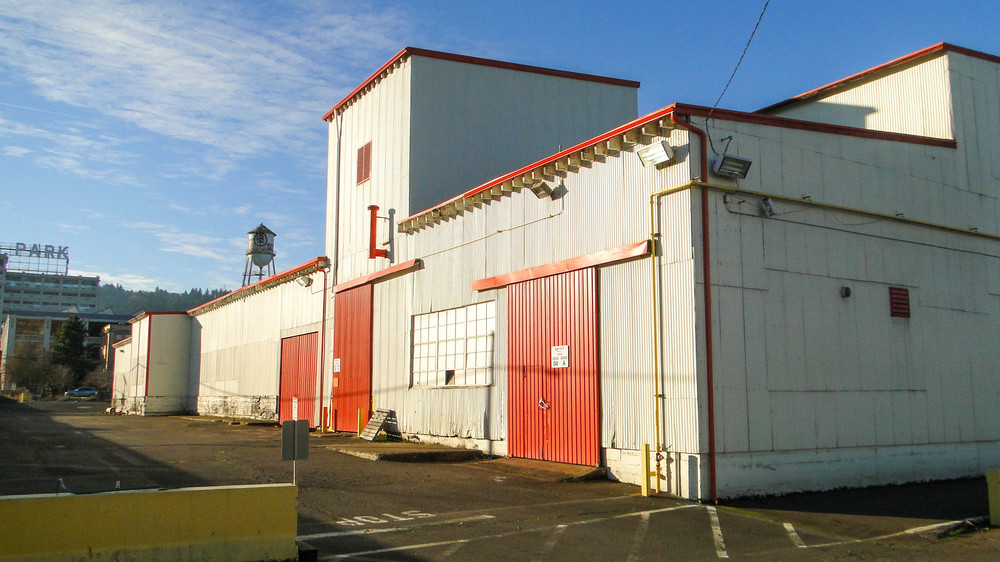 STORAGE & MANUFACTURING WAREHOUSE IN NW PORTLAND