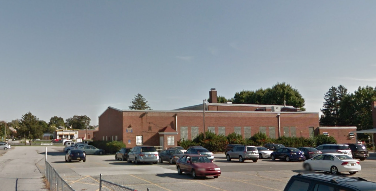 School: 801 N DuPont Highway