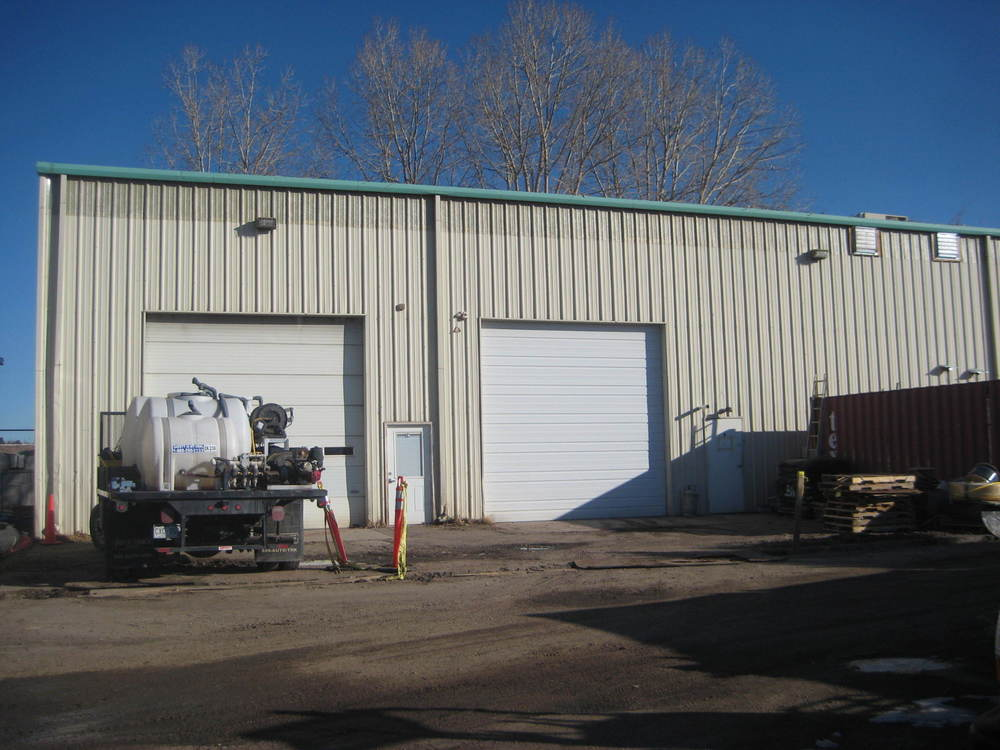 Office/Warehouse with yard
