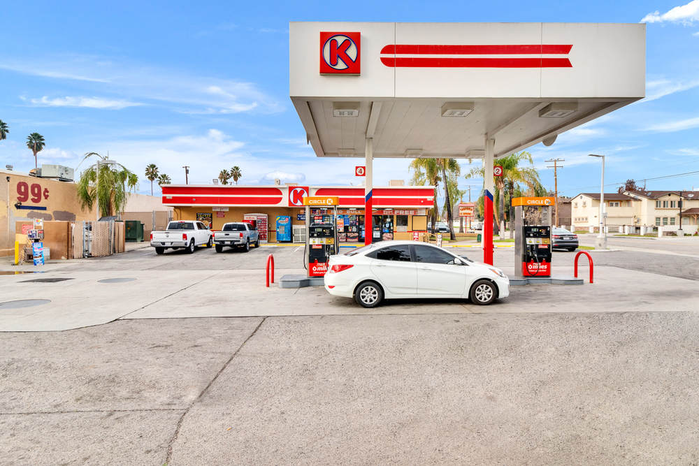 Circle K C-Store with Gas and Land