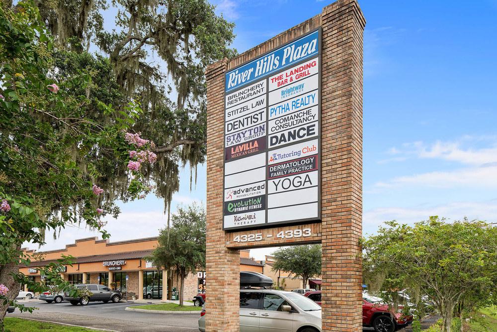 River Hills Plaza Retail / Office Center