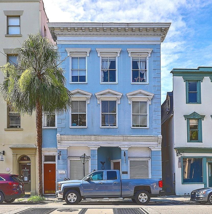 63 Broad Street<br/><div>63 Broad St</div><div>Charleston, SC 29401</div>