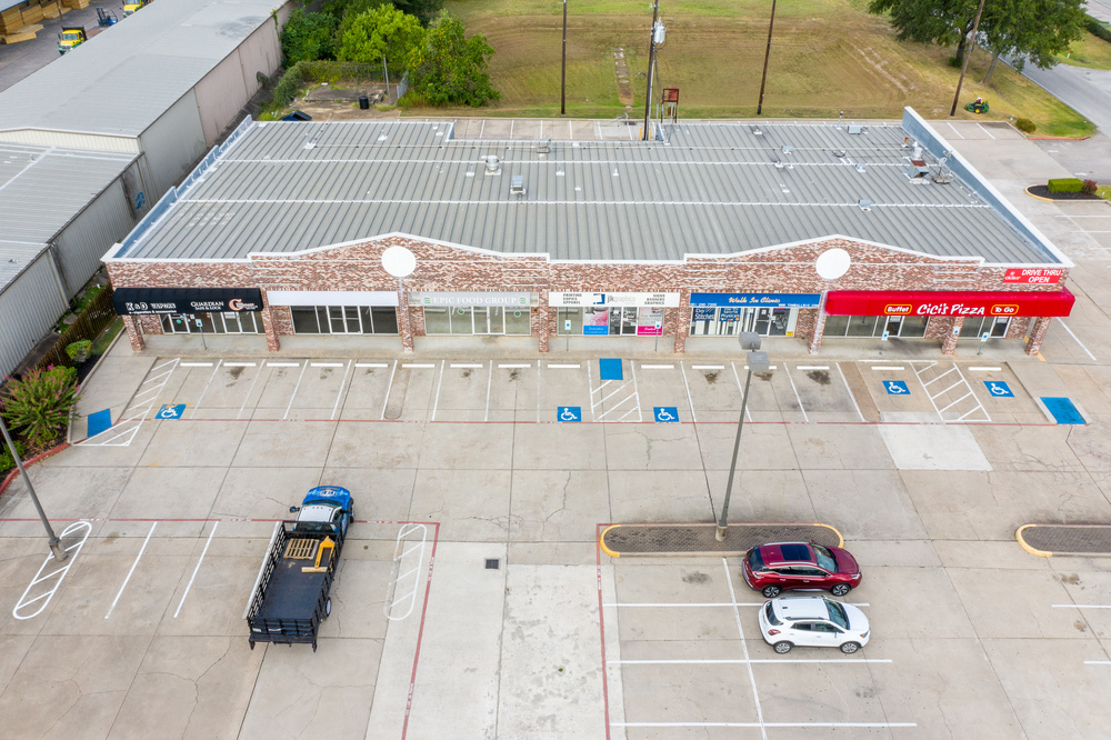 1,082 SF to 2,105 SF Endcap Space Available with Rear Roll Up Door Available Now!