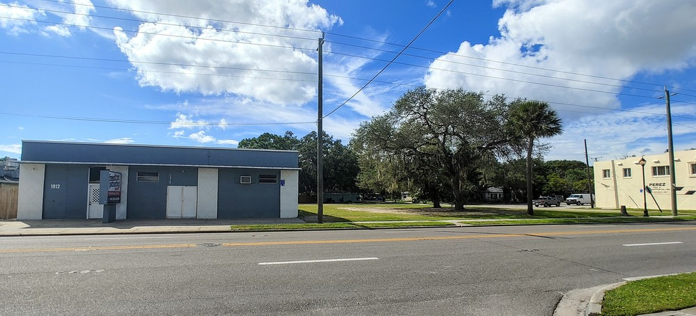 1902 & 1910 14th St W, Bradenton, FL 34205