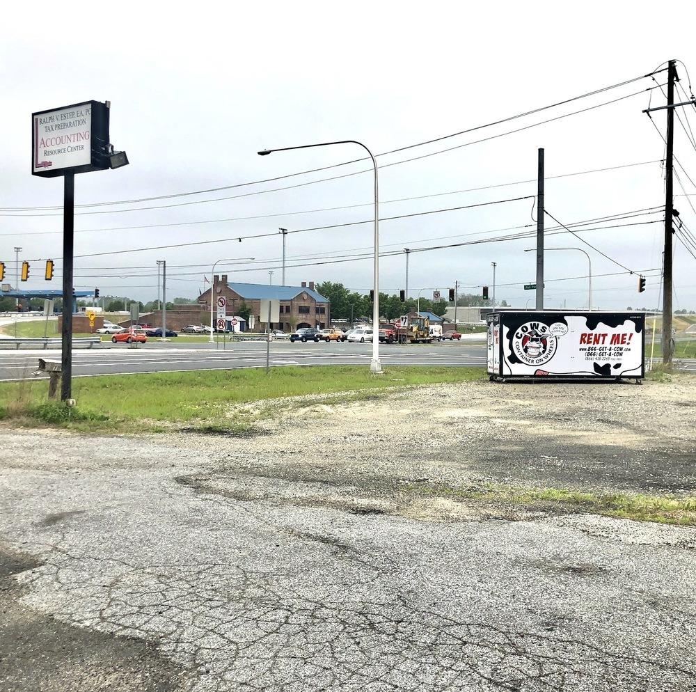 2106-2110 DuPont Parkway
