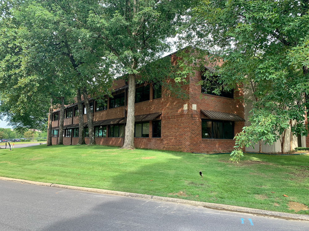 18 Corporate Hill Dr