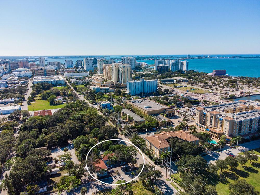 1090 Cocoanut Ave, Sarasota, FL 34236