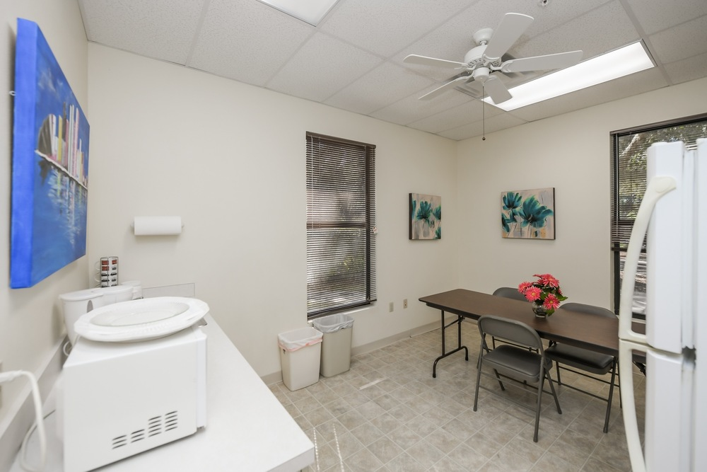 2506 Tamiami Trl N - photo 9 of 28