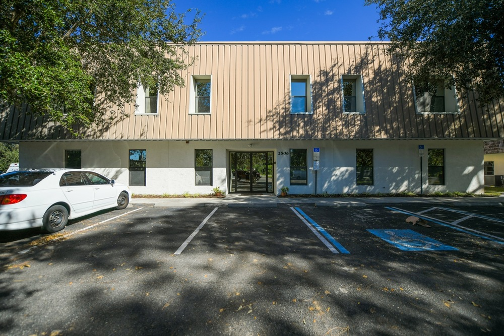 2506 Tamiami Trl N - photo 2 of 28
