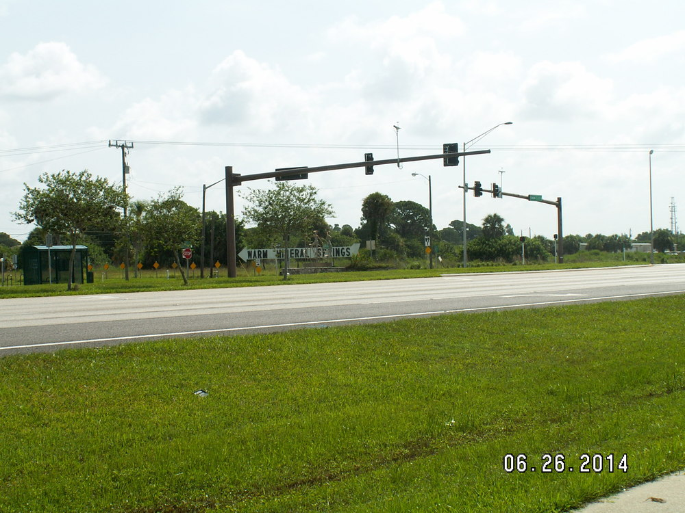 12580 South Tamiami Trail - photo 2 of 9